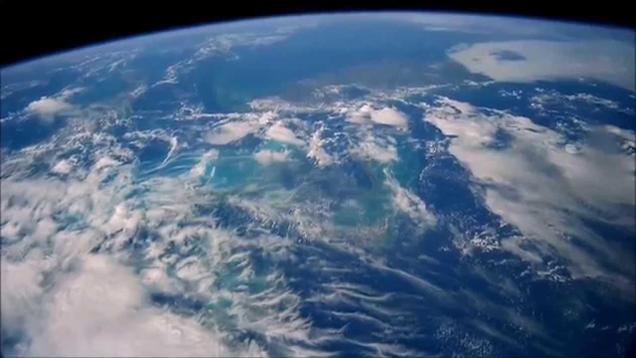 Magnifique vidéo dans l'espace en FULL HD (1080p) - YouTube