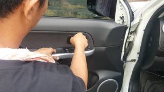 Jeff tan tutorial / suzuki grand vitara / front door panel removal