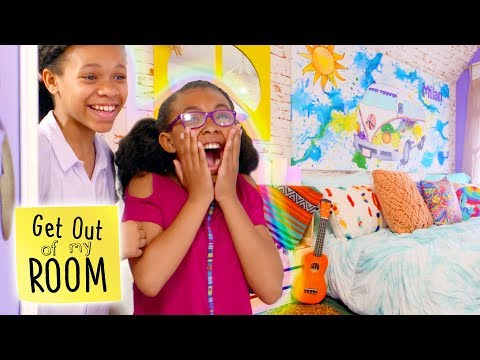 Teen Vlogger Turns Closet Into Podcast Studio! | Get Out Of My Room | Universal Kids
