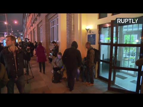 Трансляция от здания ГУ МВД, где состоится допрос Кокорина и Мамаева