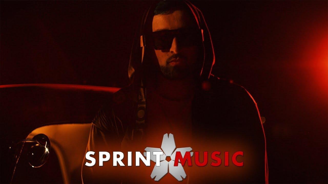 Download Mr. VIK - Papi Zuco (Trapeton Version)   Official Video