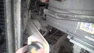 Замена передних тормозных колодок Шевроле Авео Т300 ч.1