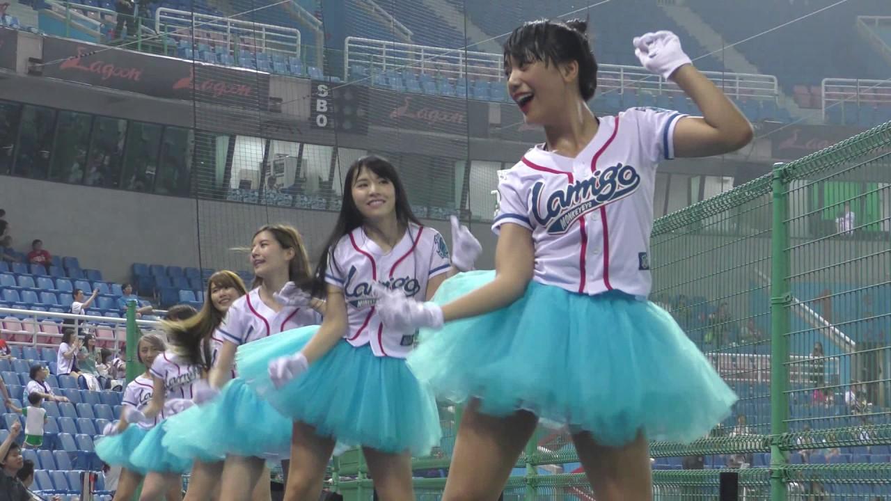 Download ちょっと興奮する♥♥座席位置でセックスィーな衣装のラミガールズ  我是老大 ラミゴモンキーズ cheerleading squad very cute girls