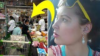 Pareja Rica Se Burla De Familia Pobre En El Supermercado. Pronto Recibirían Una Lección Inolvidable.