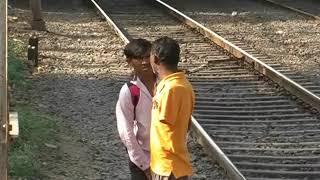 रेल्वे रुळावरची रोजची जीव घेणी कसरत....|MPC News|Pune|Pimpri-Chinchwad