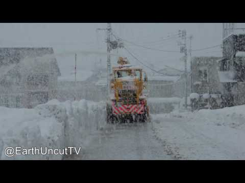 Thunder Snow & Immense Sea Effect Snowfall In Japan 大雪新潟県