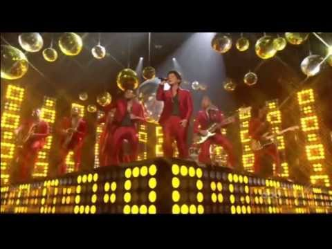 Bruno Mars - Treasure - Live At The...