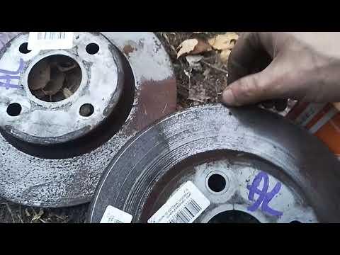 Toyota Corolla. Замена тормозных колодок и тормозных дисков Toyota Corolla Nze121