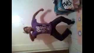 Bouncy dance for DJ Zinhle!2013