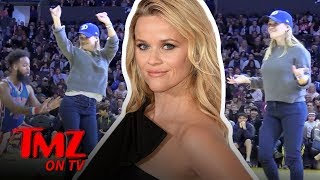 Reese Witherspoon Sits Courtside At A Harlem Globetroters Game | TMZ TV