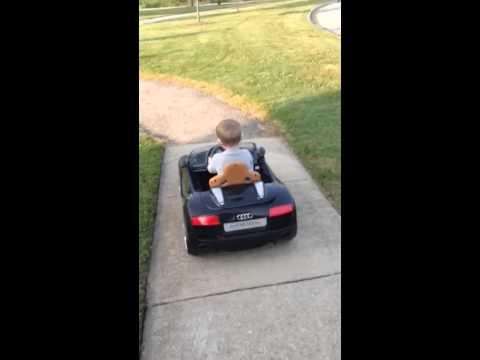 Driving The Avigo Audi R Spyder Volt Ride On YouTube - Audi r8 6v car
