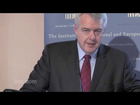 Carwyn Jones A M - The Future of Wales in a Changing UK - 28 November 2013