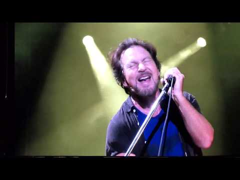 "PEARL JAM : ""State Of Love and Trust"" : FENWAY PARK / BOSTON (Sept 2, 2018)"