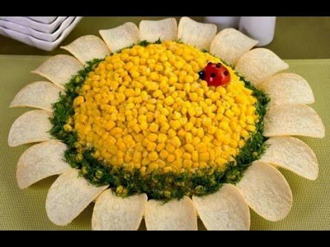Mehndi Fruit Decoration : Art in banana rose flowers fruit carving garnish food