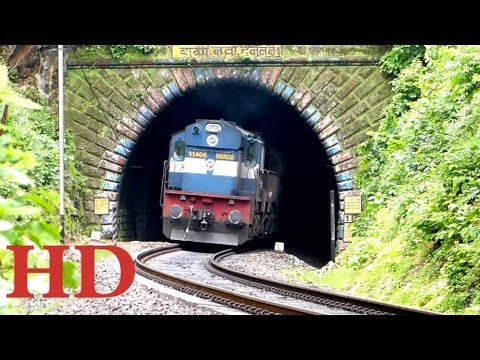 SMOKING PUNE ALCO TWINS WITH PUNE - PATNA EXPRESS EXITS OUT OF THE BAGRATAWA TUNNEL