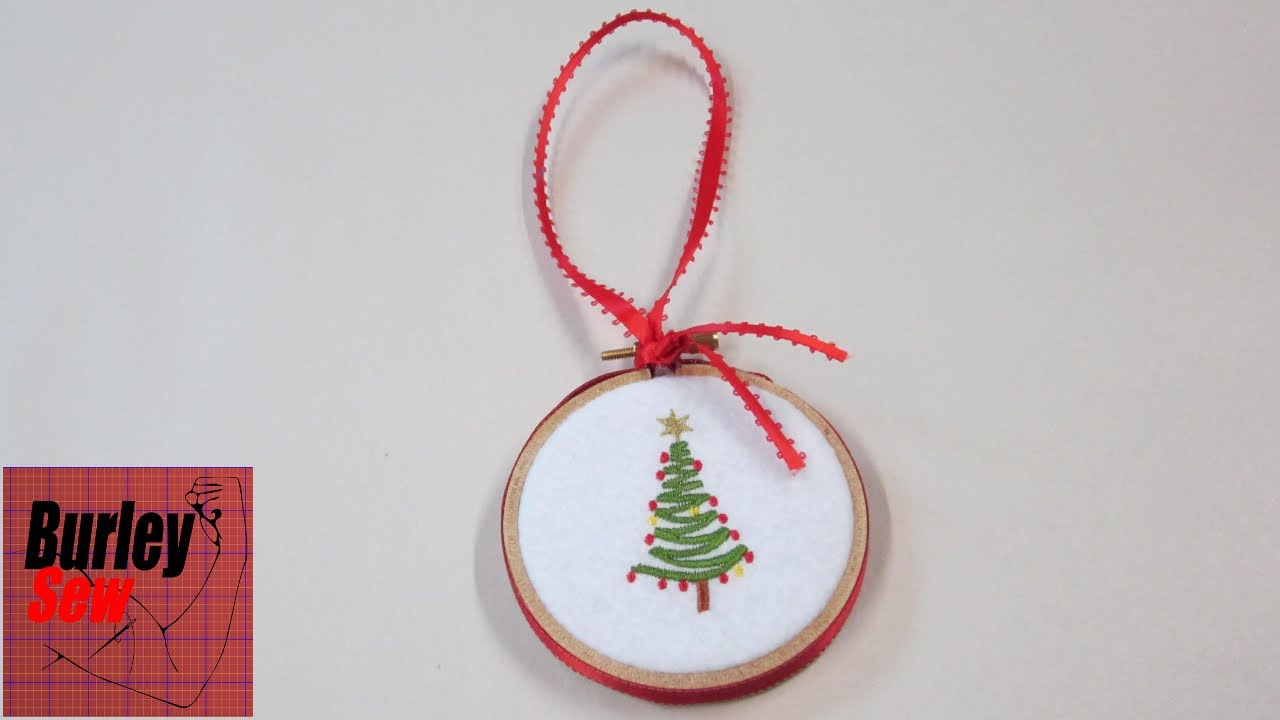 last minute embroidery hoop christmas ornament and holiday wishes - Embroidered Christmas Ornaments