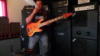 Sadowsky SBP2 Bass Preamp Pedal Demo - Andy Irvine
