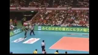 Onuma and Thailand Volleyball team in 2008