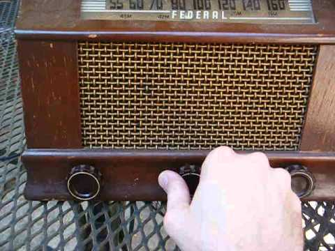 Late 1940's Federal tube radio