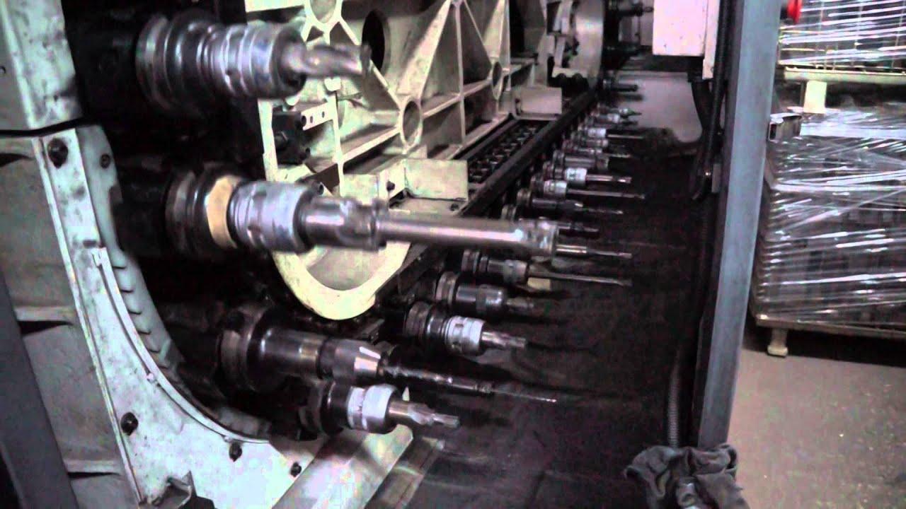 CNC 銑床加工中心機(1) - YouTube
