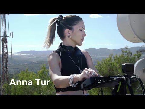 anna-tur---live-@-radio-intense-ibiza,-spain-22.11.2020