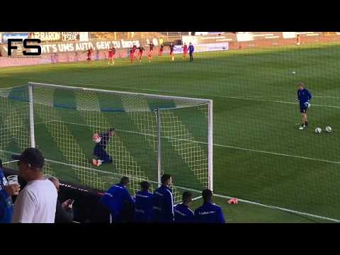 Hamburger SV goalkeeper pre-match warm-up