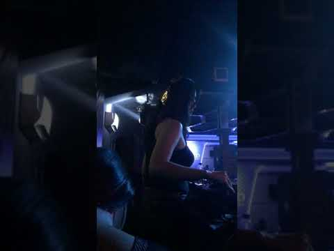 Fdj Ririn Olivia live @hotel borneo emerald pub & karaoke kalimantan bart