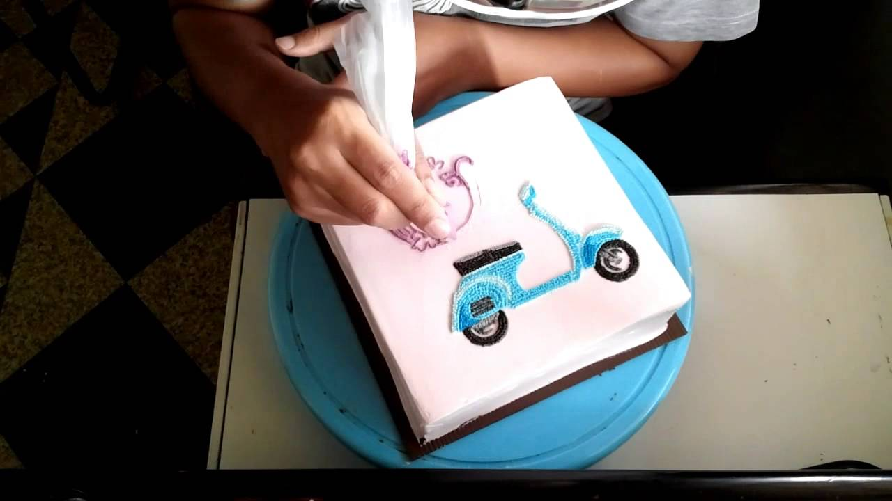 How To Make A Scooter Cake