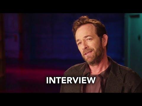 """Riverdale Season 2 """"Luke Perry"""" Interview (HD)"""
