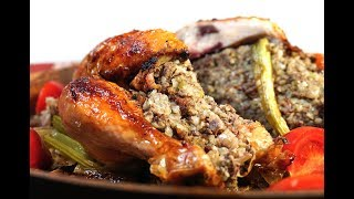 Курица, фаршированная гречневой кашей с потрошками