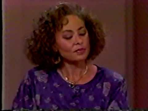 The Phil Donahue Show - Mulattoes who pass for white (FULL EPISODE)