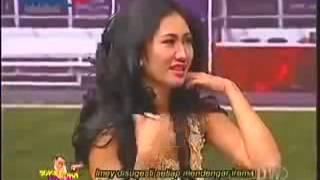 nah loh bh imey mey melorot saat goyang suka suka uya 18 maret 2014