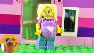 Lisa, la propriétaire de la maison de rêve Lego est enceinte   Figurine Lego enceinte