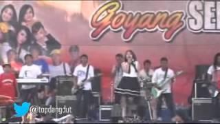 SERA VIA VALLEN All About That Bass Dangdut Hot Koplo Terbaru 2015