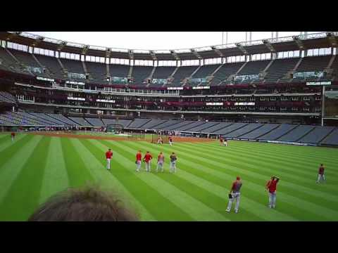 BALLHAWKING THE LOS ANGELES ANGELS AT PROGRESSIVE FIELD IN CLEVELAND 7/26/17