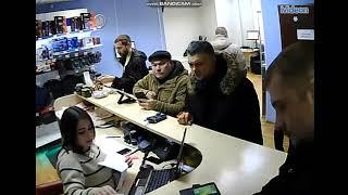 Гений ставок Сергей Бестов принимает конфеты в дар