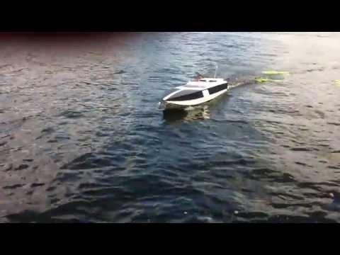 6' RC boat in Muskoka/Mississauga