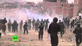 Hors du cimetière ! La police disperse les occupants d'un cimetière en Pérou