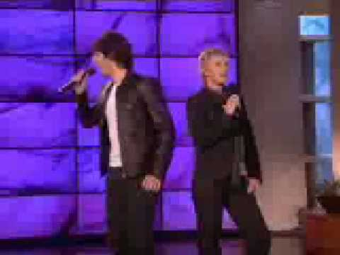 Ellen and Josh Groban Sing A Duet - Very Funny