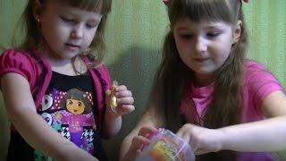Учимся лепить из пластилина. Маричка и Дарьюшка лепят из пластилина животных. Видео для детей.