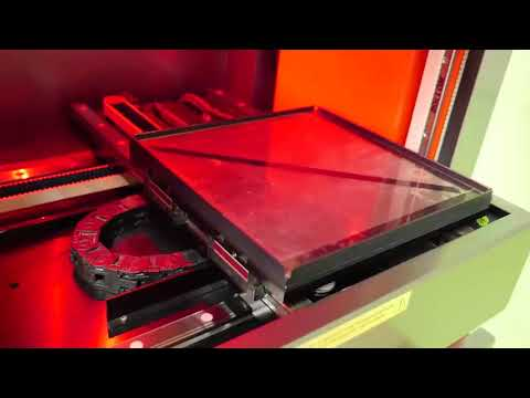 Cerion Laser C1 Jet machine for high quality crystal engraving in 2D and 3D