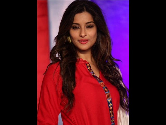 Actress Madhurima Spicy Photos