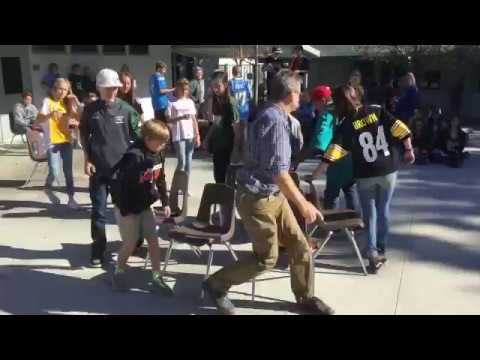 MUSICAL CHAIRS COMPETITION