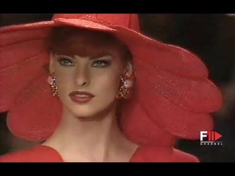 VALENTINO Spring Summer 1992 Paris - Fashion Channel