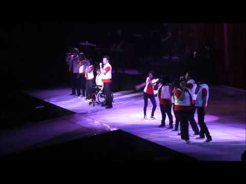 Dont stop believing - Glee Live 2011