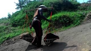 Penambang Pasir di Tambakreja