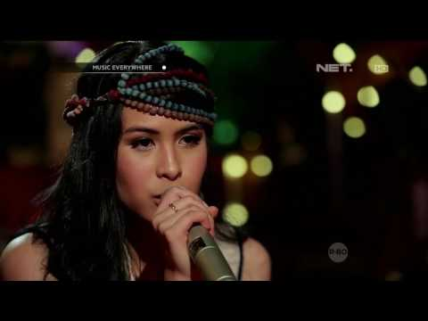 Maudy Ayunda - Bayangkan Rasakan (Live At Music Everywhere) **