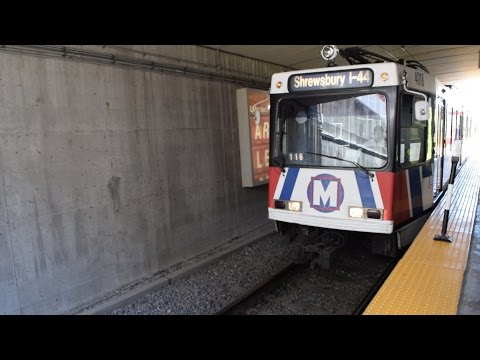 St. Louis Metrolink: Two Trains at Union Station