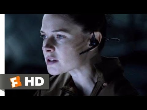 Download Life (2017) - On the Hunt Scene (6/10) | Movieclips