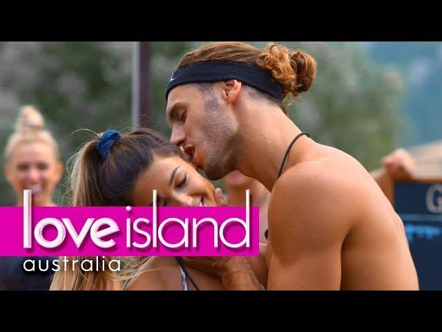 Villa games: Every holes a goal | Love Island Australia 2018